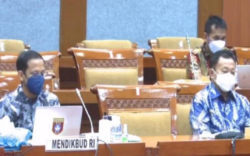 Mendikbud Nadiem Anwar Makarim dalam rapat kerja dengan Komisi X DPR RI pada Rabu (10/3/2021). - Twitetr @Kemdibud_RI