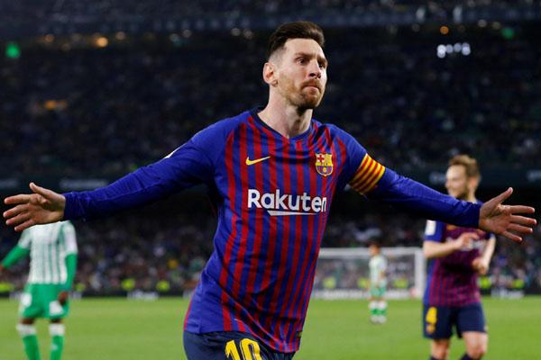 Bintang FC Barcelona Lionel Messi - Reuters