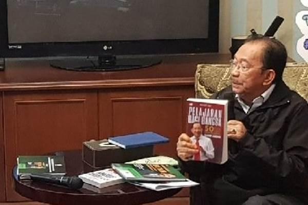 Tanri Abeng saat berdiskusi soal Badan Usaha Milik Rakyat (BUMR) di kediaman KH. Ma'ruf Amin, di Jalan Situbondo, Menteng, Selasa (12/2/2019). - Doc humas