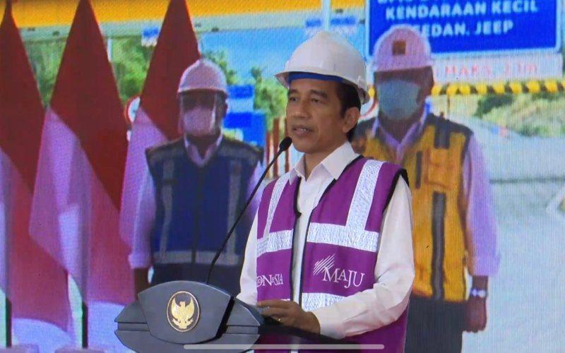 Presiden Joko Widodo meresmikan ruas tol Manado - Danowudu di Sulawesi Utara secara virtual dari Istana Kepresidenan Bogor, Jawa Barat, Selasa (29 - 9 / 2020) / Youtube Setpres