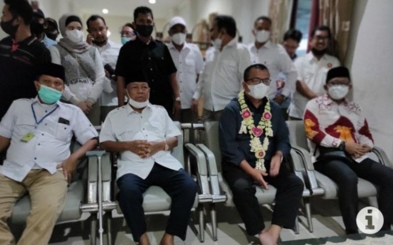 Calgub Kalsel Denny Indrayana saat jumpa pers - Antara/dokumen