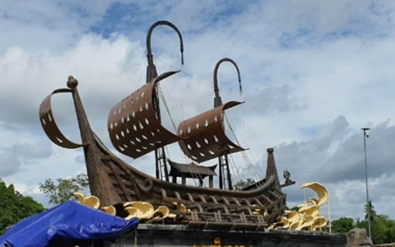 Gerbang Samudra Raksa - Antara/Sutarmi