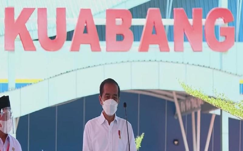 Presiden Joko Widodo meresmikan Bandara Kuabang di Halmahera Utara, Rabu (24/3/2021). - Sekretariat Presiden