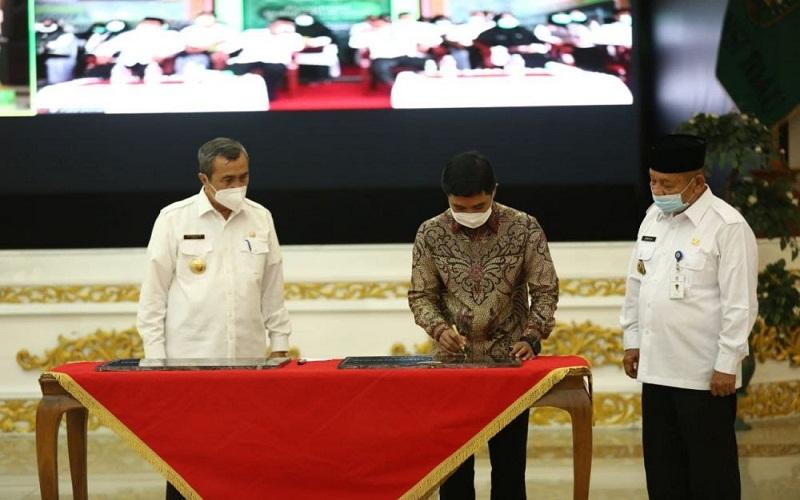 Wakil Menteri Kesehatan (Wamenkes) RI, Dante Saksono Harbuwono meresmikan 2 bangunan puskesmas yang berada di Kota Dumai, Provinsi Riau yakni Puskesmas Sei Sembilan dan Puskesmas Medang Kampai.  -  Istimewa