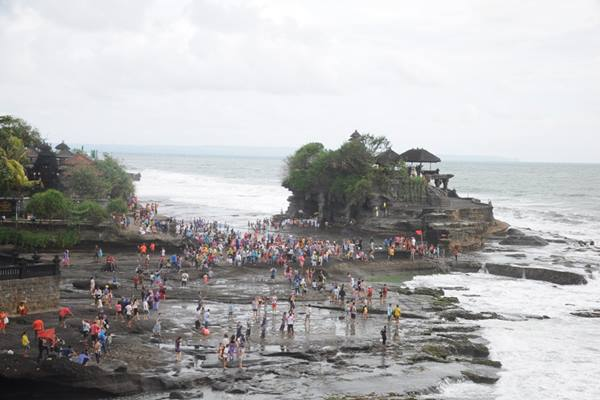Tanah Lot di Bali - Istimewa