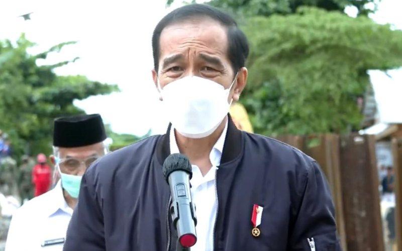 Presiden Joko Widodo saat memberi keterangan pers terkait bencana banjir di Kalimantan Selatan, Senin 18 Januari 2021 /Youtube Sekretariat Presiden