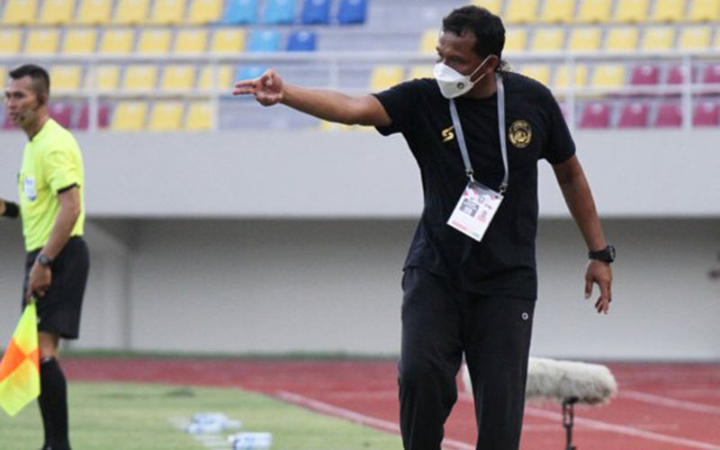 Pelatih Arema FC Kuncoro - Liga Indonesia