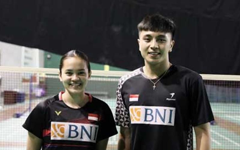 Ganda campuran Zachariah Josiahno Sumanti/Hediana Julimarbela  - Badminton Indonesia