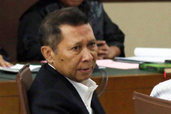 Mantan Direktur Utama PT Pelindo II, RJ Lino bersaksi dalam persidangan di Pengadilan Tipikor, Jakarta, Rabu (22/3). - Antara/Rivan Awal Lingga