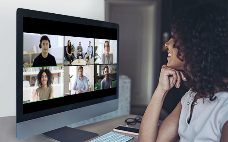 Zoom Video Communications, Inc. Banyak orang yang tidak langsung memahami protokol keamanan terkait dengan penggunaan webcam dan proses keamanan sibernya.  - zoom.us