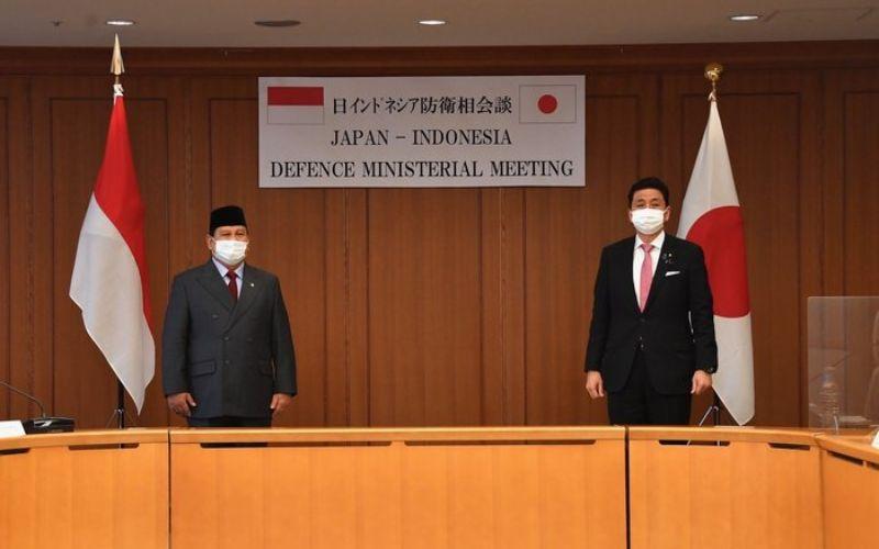 Menteri Pertahanan RI Prabowo Subianto bertemu dengan Menteri Pertahanan Jepang Nobuo Kishi, di Tokyo, Jepang, pada Minggu (28/3/2021)  -  Dok. Kemenhan