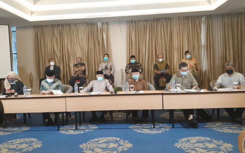 Tim Pengawal Peristiwa Pembunuhan (TP3) enam anggota Laskar FPI saat menggelar konferensi pers di Hotel Century, Jakarta Pusat, Kamis 21 Januari 2021. -  Youtube/Refly Harun