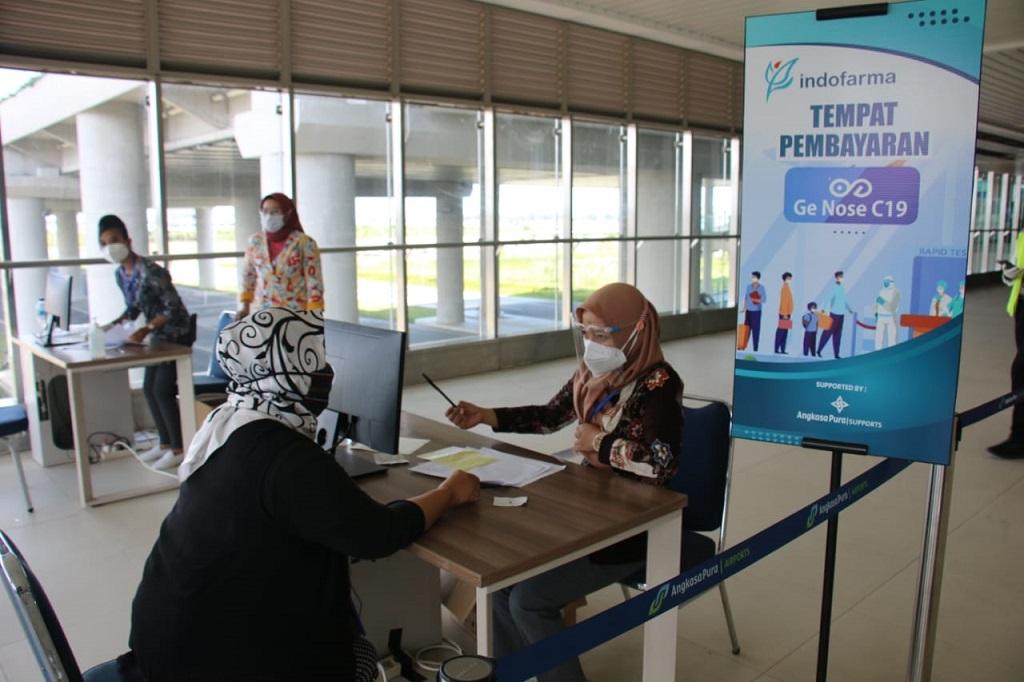 Foto: Bandara Internasional Yogyakarta / Kulonprogo (YIA) dan Bandara Juanda.