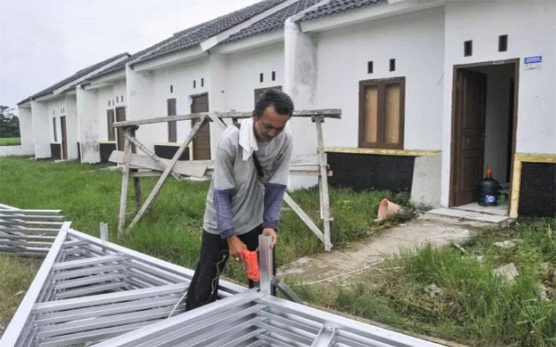 Pembangunan perumahan bersubsidi di Tambun, Kabupaten Bekasi, Jawa Barat./Antara - Fakhri Hermansyah