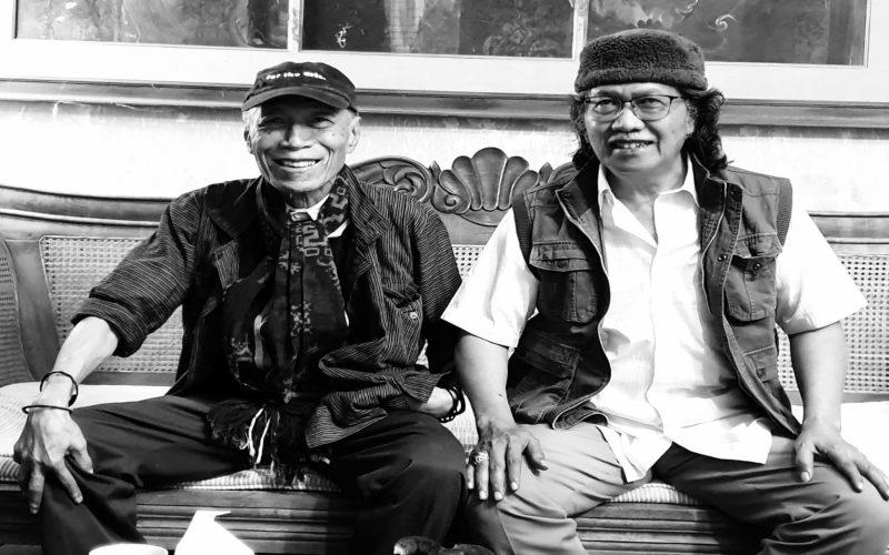 Sastrawan Umbu Landu Paranggi (kiri) bersama Cak Nun (kanan). - Akun Kenduri Cinta