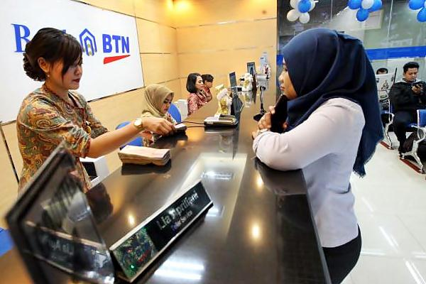 Aktivitas layanan di bank BTN. - JIBI/Dedi Gunawan