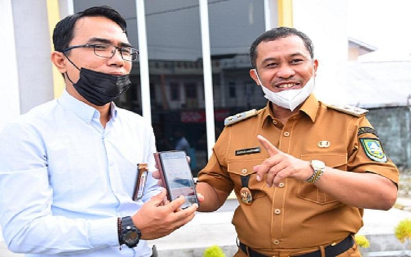 Wakil Bupati Bengkalis Bagus Santoso (kanan) dan Manager PLN Bengkalis Andiko Bestari (kiri).  -  Istimewa