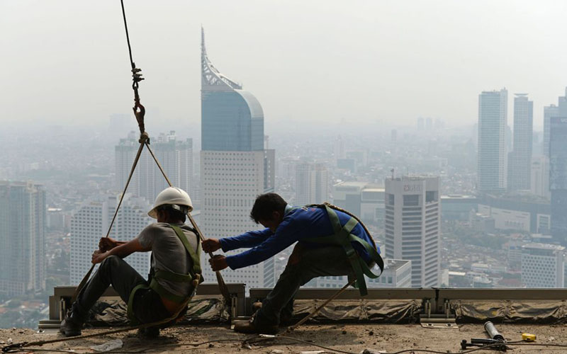 Ilustrasi kegiatan konstruksi Jakarta./Bloomberg - Dimas Ardian