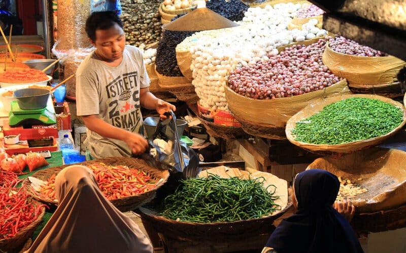 Kondisi di Blok III Pasar Raya Padang, Sumatra Barat, jelang Ramadan 1442 hijriyah, Selasa (6/4/2021). - Bisnis/Noli Hendra
