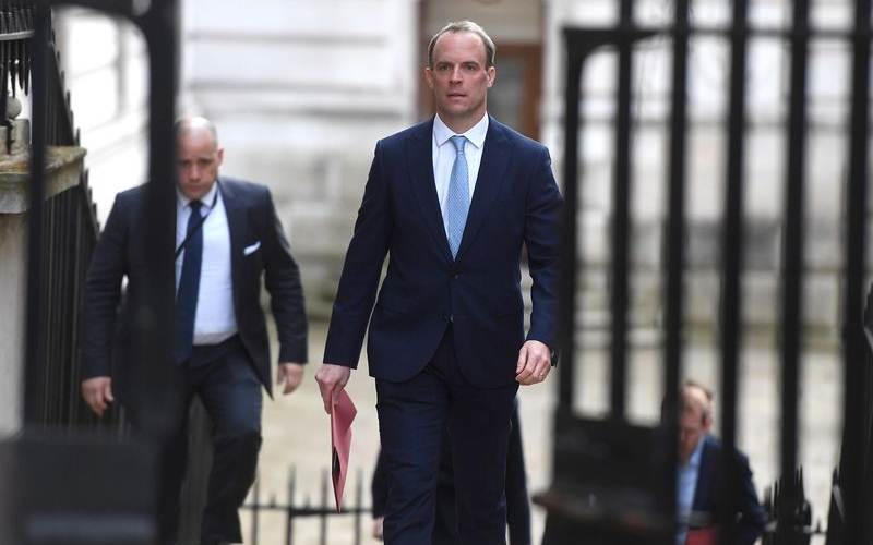 Dominic Raab saat tiba di Downing Street 10, London, pada 6 April 2020. - Bloombereg/Peter Summers/Getty