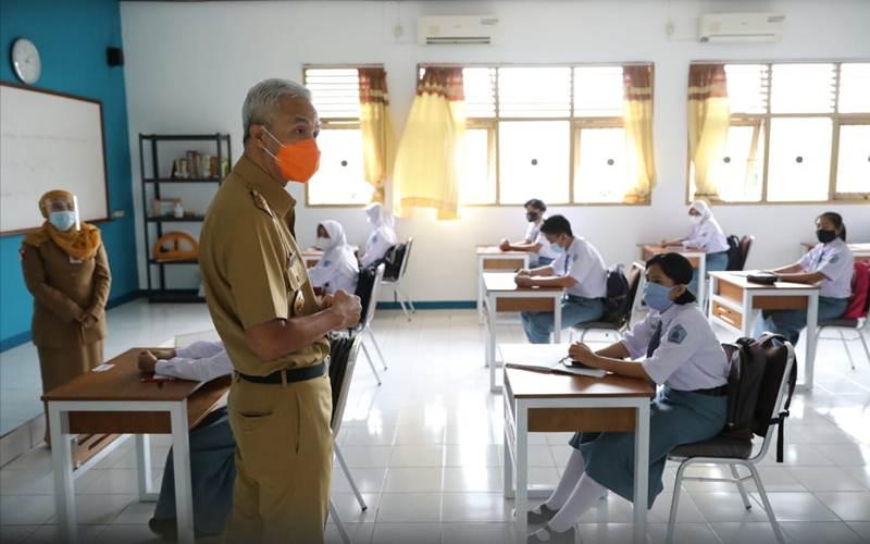 Gubernur Jawa Tengah Ganjar Pranowo saat melakukan sidak di sekolah di Semarang. - Dok Pemprov Jateng