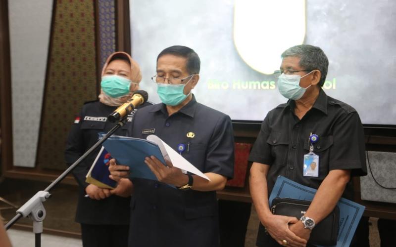 Plh. Asisten I Bidang Pemerintahan dan Kesra Provinsi Sumsel Akhmad Najib (tengah) memberikan penjelasan terkait PPKM berbasis mikro di wilayah Sumsel. - Istimewa