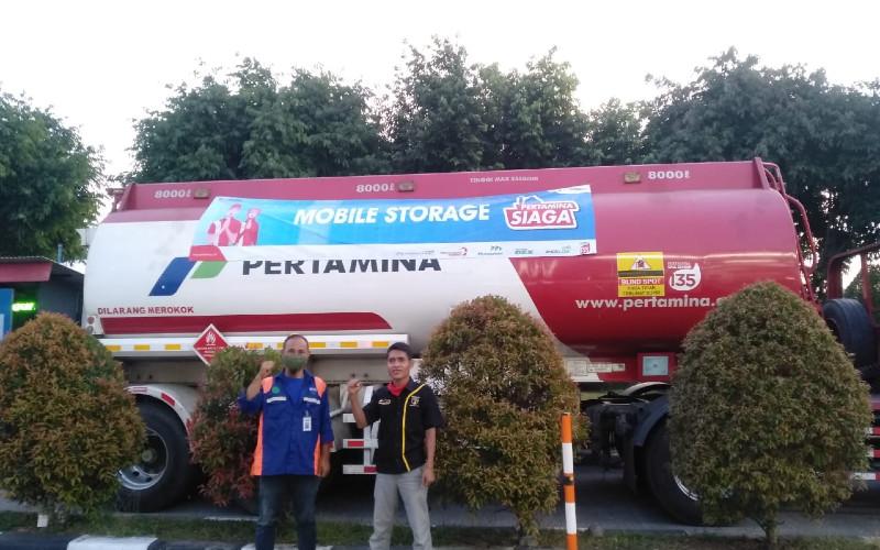 Di Ruas Tol Cipali, atau Cirebon mengarah ke Jakarta, mobile storage berada di SPBU Rest Area KM101B, KM62B, dan KM57A.  - PERTAMINA