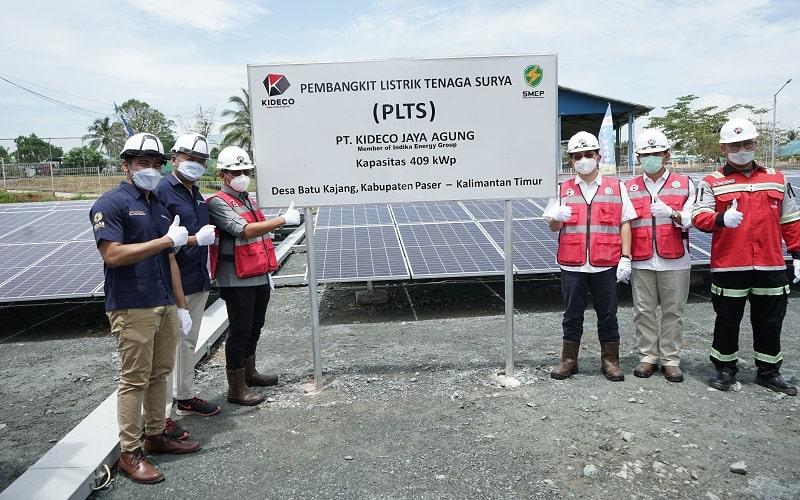 Pembangunan solar power system di lokasi perumahan karyawan Kideco, di Batu Kajang, Paser, Kalimantan Timur, Sabtu (10/4). - Istimewa