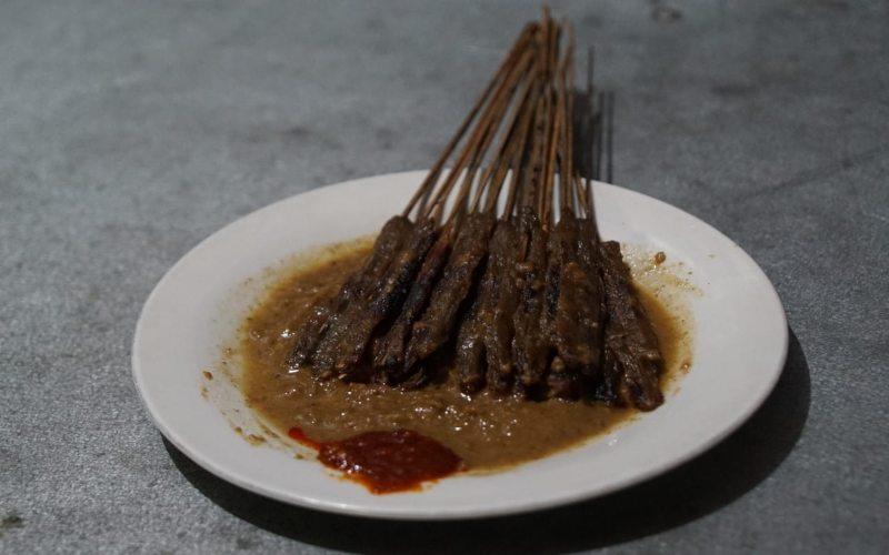 Sate Kalong khas Cirebon.  - Eusebio Chrysnamurti