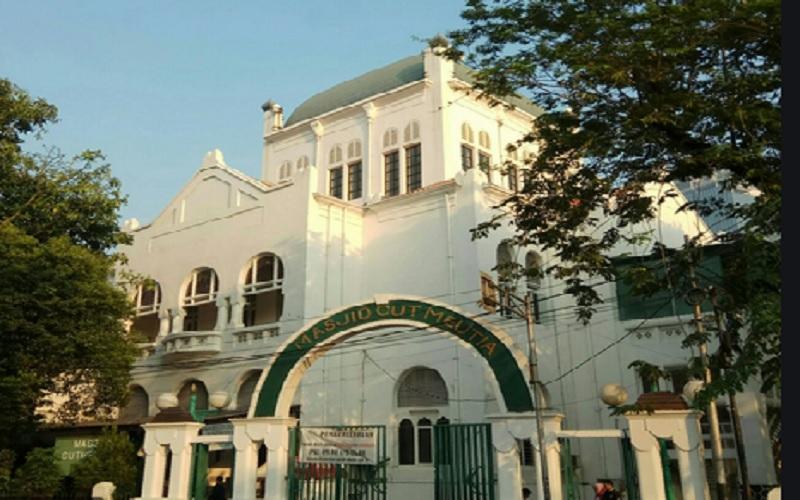 Masjid Cut Meutia di Jakarta Pusat. - wikipedia