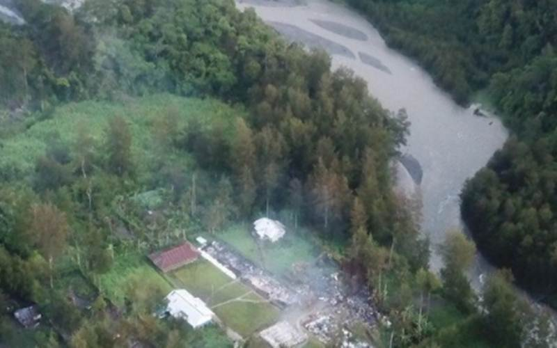 Sebanyak 12 unit bangun sekolah dibakar KKB di Kampung Julukoma, Distrik Beoga, Kabupaten Puncak./Antara - HO/Humas Polsek Beoga