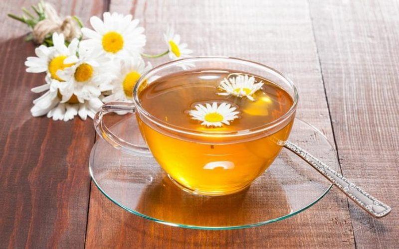 Teh chamomile bermanfaat bagi kesehatan jantung dan pencernaan. - Healthline