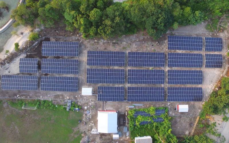 Penampakan udara Pembangkit Listrik Tenaga Surya (PLTS) Sebira 400 kWp. - Dok. PLN Enjiniring