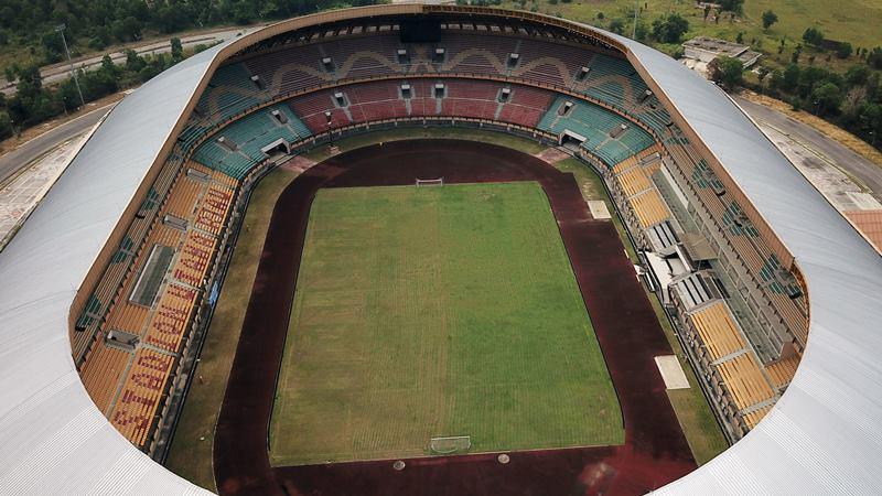 Foto udara Stadion Utama Riau di Kota Pekanbaru, Riau, Kamis (13/2/2020). PSSI memasukan Riau sebagai salah satu dari 11 kota kandidat penyelenggara Piala Dunia U-20 di Indonesia pada 2021. p - ANTARA / FB Anggoro