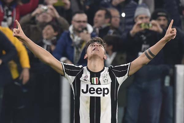 Penyerang Juventus Paulo Dybala - Reuters