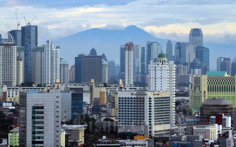 Pemandangan gedung perkantoran di Jakarta./Bisnis - Arief Hermawan