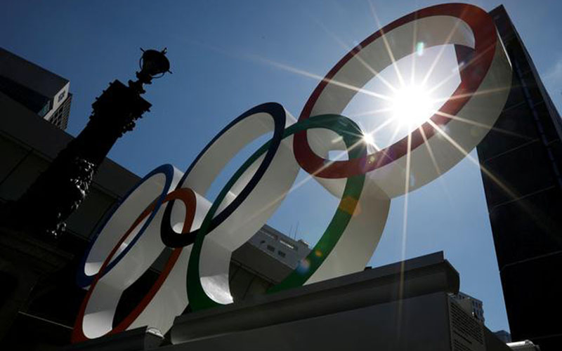 Logo Olimpiade di distrik Nihonbashi di Tokyo, Jepang, pada Senin (5/8/2019)./Reuters - Issei Kato