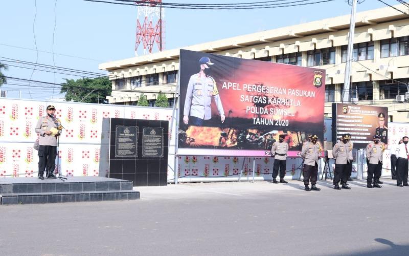 Dokumentasi / Kapolda Sumsel Irjen Pol Prof. Eko Indra Heri S., MM memimpin Apel Pergeseran Pasukan Satgas Karhutla Polda Sumsel. istimewa
