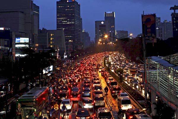 Kemacetan di Jakarta - Reuters/Beawiharta