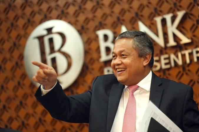Gubernur Bank Indonesia Perry Warjiyo memberikan penjelasan pada jumpa pers mengenai hasil Rapat Dewan Gubernur (RDG) Bank Indonesia di Jakarta, Kamis (21/3/2019). Bisnis - Nurul Hidayat