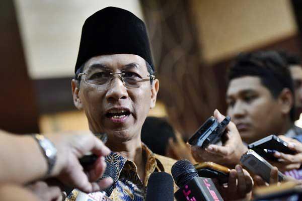 Kepala Sekretariat Presiden (Kasetpres) Heru Budi Hartono memberikan keterangan kepada wartawan seusai mengikuti pelantikan di Gedung Setneg, Jakarta, Kamis (20/7). - ANTARA/Wahyu Putro A