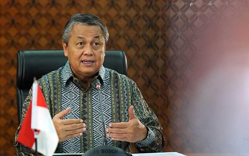 Gubernur Bank Indonesia Perry Warjiyo memberikan keterangan melalui streaming di Jakarta, Rabu (29/4 - 2020). Dok. Bank Indonesia