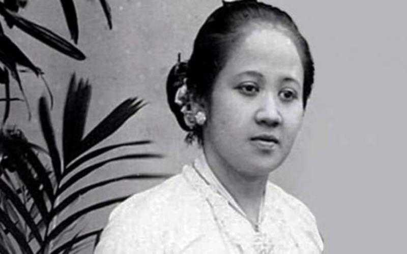 Untuk mengenang perjuangan R.A Kartini, maka tanggal lahirnya dijadikan sebagai Hari Kartini dan dikisahkan dalam lagu Ibu Kita Kartini oleh WR. Supratman. / ilustrasi