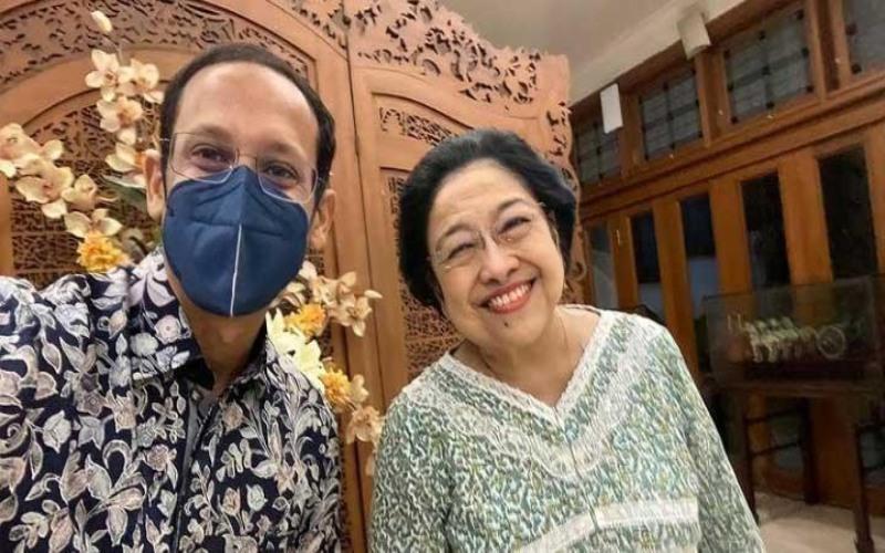 Menteri Pendidikan dan Kebudayaan Nadiem Anwar Makarim mengunggah foto usai bertemu dengan Ketua Umum Partai Demokrasi Indonesia Perjuangan (PDIP) Megawati Soekarnoputri di akun Instagram pribadinya - Instagram/@nadiemmakarim.
