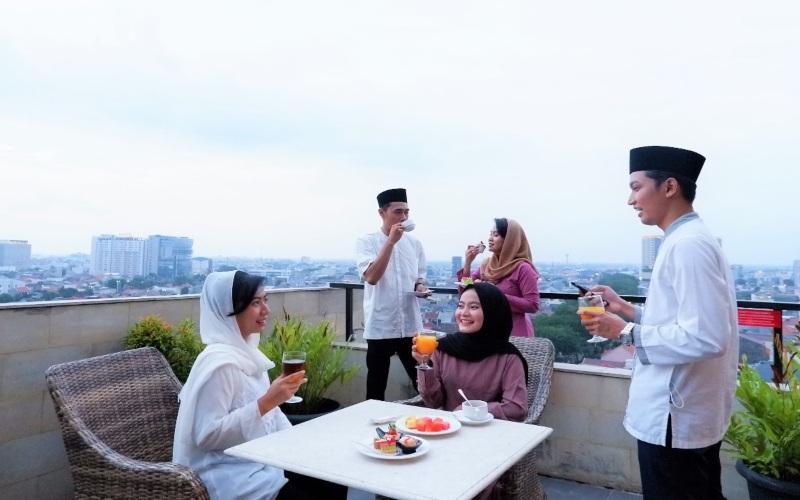 Aston Inn Pandanaran Semarang menyuguhkan paket buka puasa dengan nuansa outdoor dengan beragam sajian menu tradisional maupun luar negeri. (Foto: Istimewa)