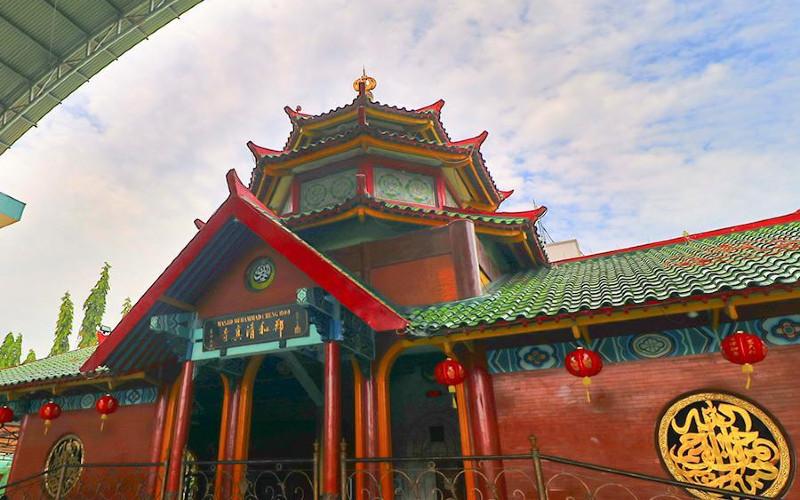 Masjid Muhammad Cheng Ho. Keunikan bangunan terletak di arsitektur yang kental dengan gaya Tiongkok.  - istimewa