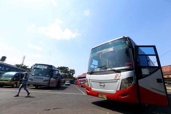 Terminal bus. JIBI - Bisnis/Dedi Gunawan