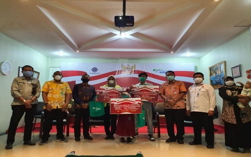 Sebanyak 641 siswa di Provinsi Riau menerima beasiswa penerima manfaat program Jaminan Kematian (JKm) dan Jaminan Kecelakaan Kerja (JKK) dari BPJS Ketenagakerjaan atau BPJamsostek.  - Istimewa