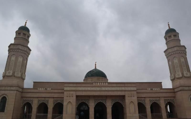 Masjid kampus Xinjiang Islamic Institute - Antara/M. Irfan Ilmie)