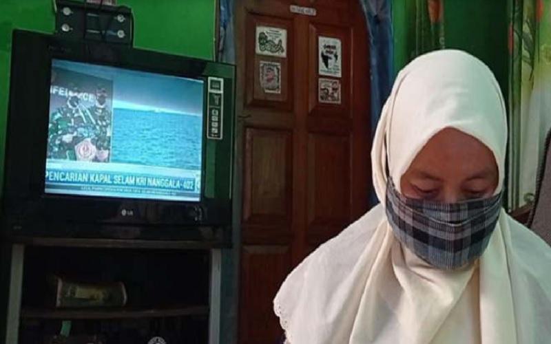 Helen, istri dari Serda Diyut Subandriyo, yang tercatat sebagai ABK KRI Nanggala-402, Kamis (22/4/2021). JIBI - Solopos.com/Abdul Jalil